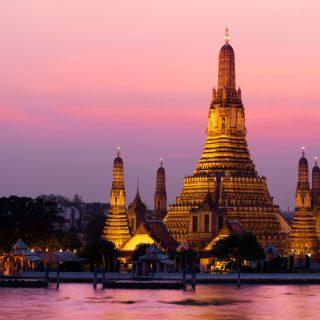 bigstock-Wat-Arun-temple-during-sunset--14467868