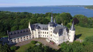 Schlosshotel Ralswiek auf der Ferieninsel Rügen